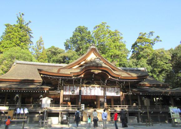 大神神社・拝殿