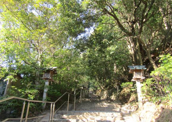 大神神社から狭井神社へ