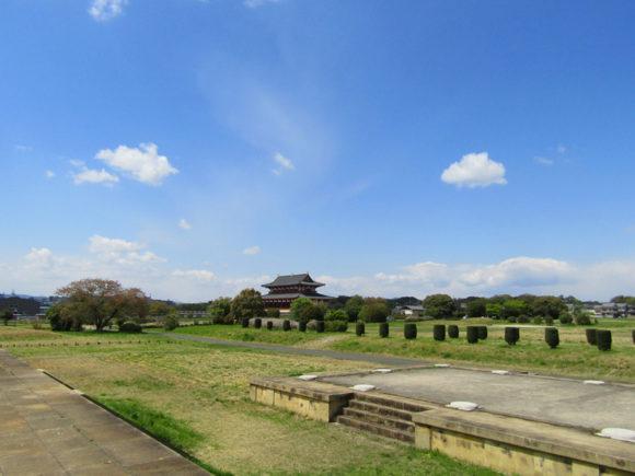 空も広い平城宮跡